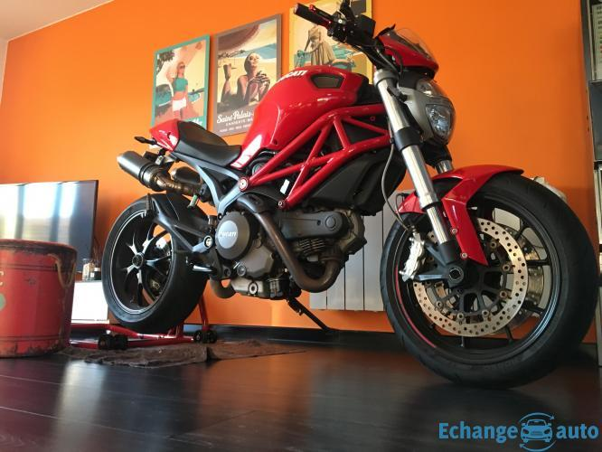 Ducati monster 796 ou echange