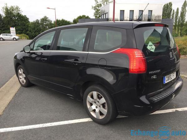 Peugeot 5008 1.6 HDI 112 ACTIVE